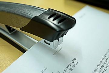 stapler-990469_1920